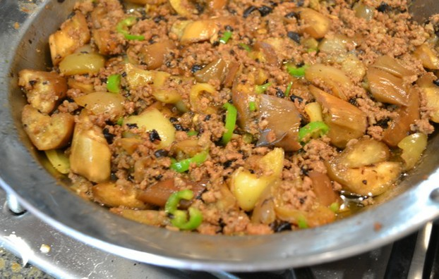 Asian stir-fry dishes are also easily prepared in this pan, like this classic ground pork and eggplant.