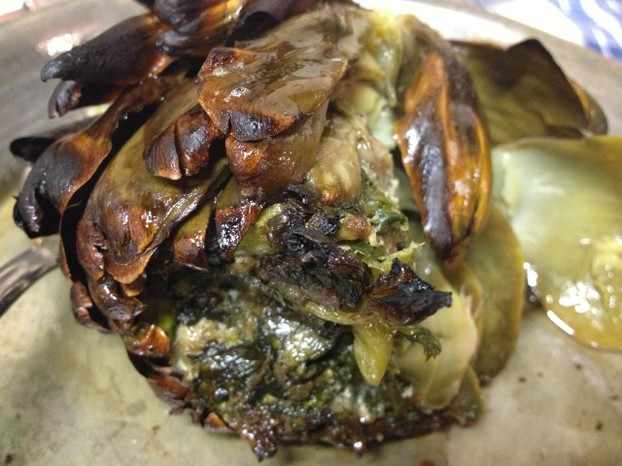 You can also enjoy delicious vegetable dishes such as stuffed artichokes.