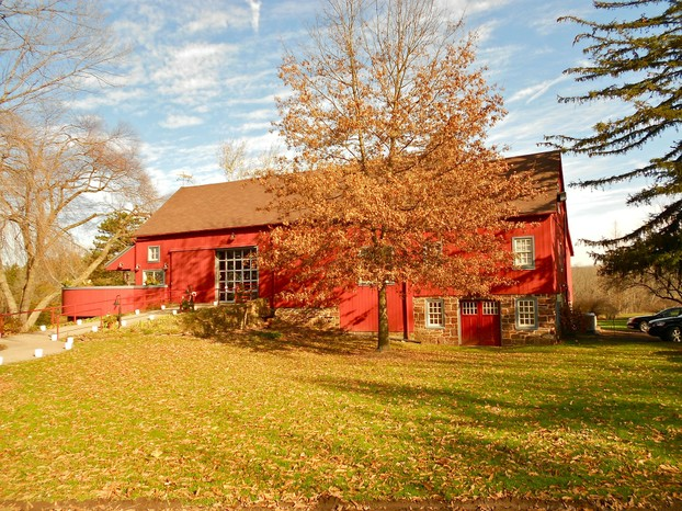 Rustic Barns are Perfect for Fall Weddings