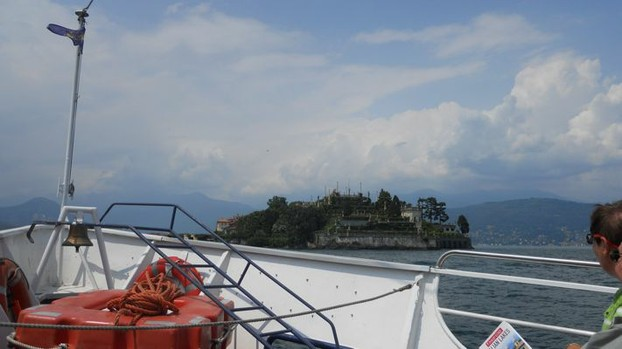 The approach to Isola Bella after a stop at Stresa.