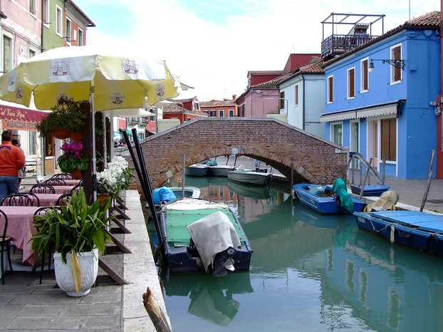 Colorful Burano: One of the prettiest islands in the Venetian lagoon