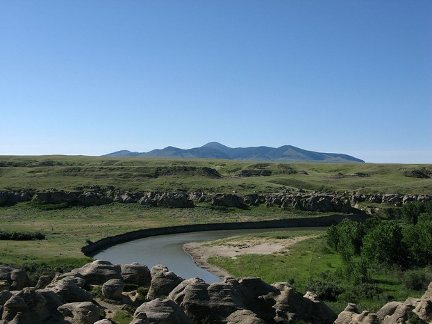 Writing-on-Stone Provincial Park with view of Sweet Grass Hills, Milk River Valley, southern Alberta, western Canada