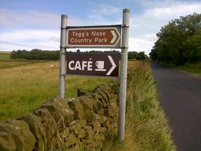 Entry to Tegg's Nose