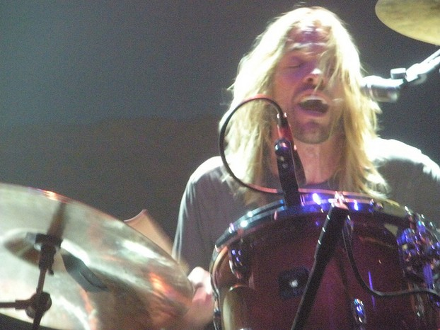 Taylor Hawkins on stage.