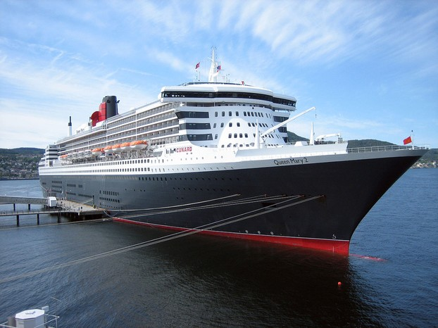 RMS Queen Mary 2 in Trondheim 2007