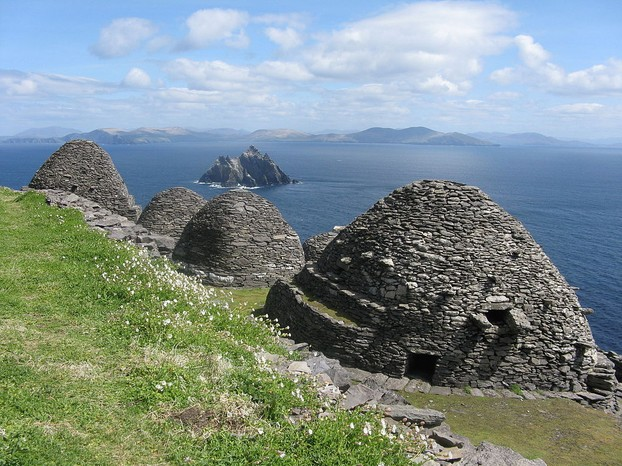 Skellig Michael (Irish: Sceilig Mhichíl), also known as Great Skellig (Irish: Sceilig Mhór), off southwest Ireland coast