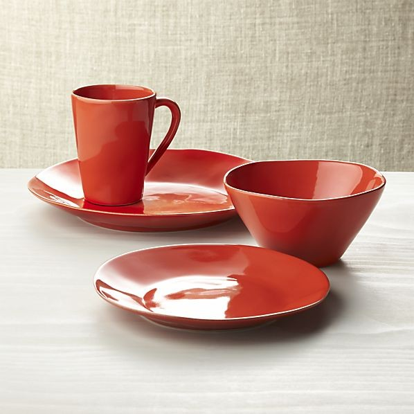 Holiday Colors for Dinnerware