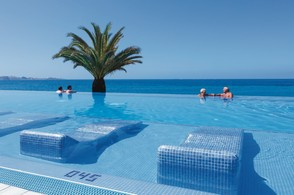 Swimming pool, RIU Palace, Tenerife