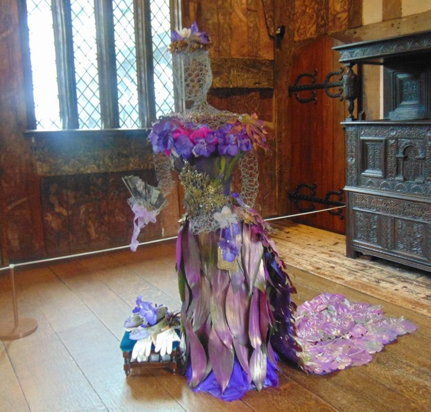 An Edwardian dress made in flowers