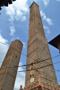 The leaning towers...of Bologna!