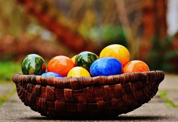 easter-eggs-colored