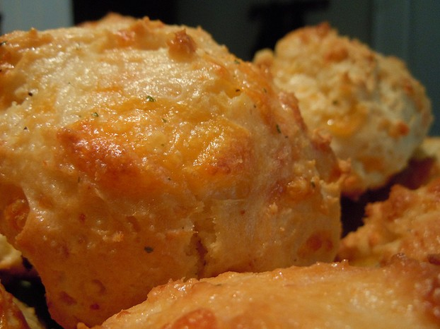Red Lobster Copycat Cheddar Bay Biscuits