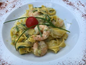 Tagliatelle with shrimp and smoked paprika