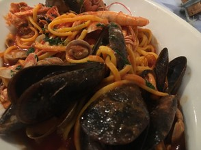 Linguini with mixed shellfish
