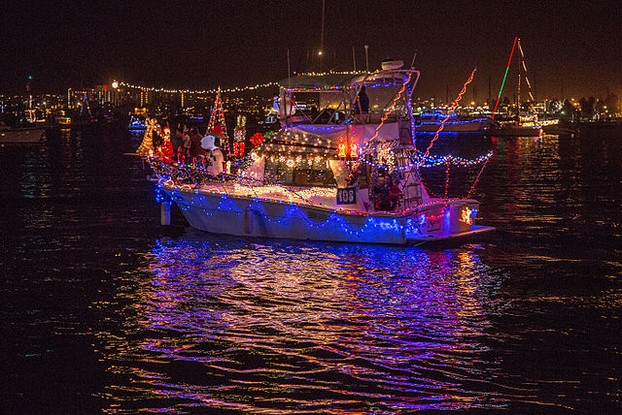 San Diego Bay Parade of Lights 2014 by Tony Webster from Portland, Oregon, CC BY 2.0