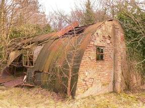Nissan Hut from WW2 ~ seen whilst researching the death of Lt Emil van Heerden of 513 Sqn - a South African Pilot in the RAF.