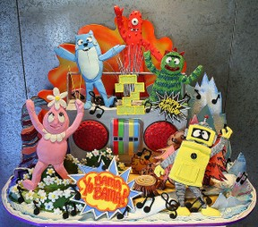 Super Yo Gabba Gabba Birthday Cake Cupcake Ideas Funny Birthday Cards Online Elaedamsfinfo