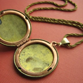 Vintage Locket Open