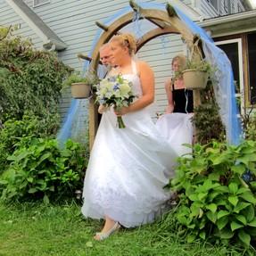 Cheap Backyard Wedding: a DIY Guide