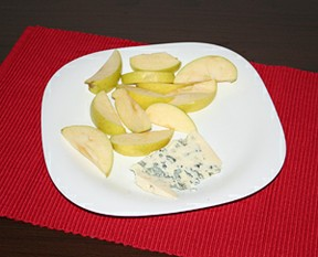 Apple and Cheese Pairing for a Snack