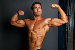 Derek Tresize is a vegan muscle and fitness trainer