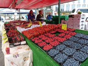 Glorious Berry Fruits in Bergen Market