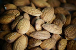 Almonds (photo courtesy of Pixabay)
